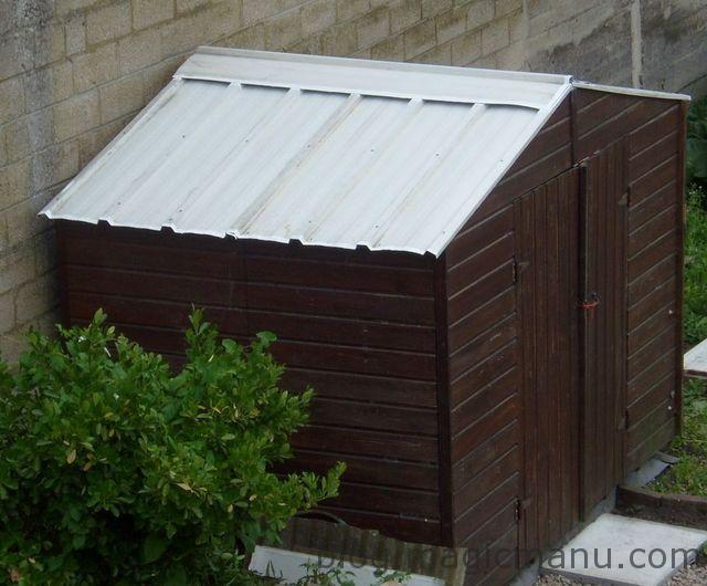 tole toiture abri jardin