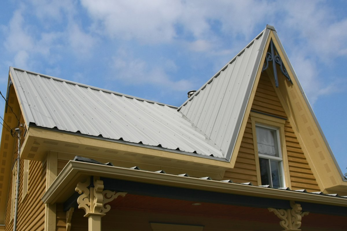 Tole toiture maison for Toiture metallique maison
